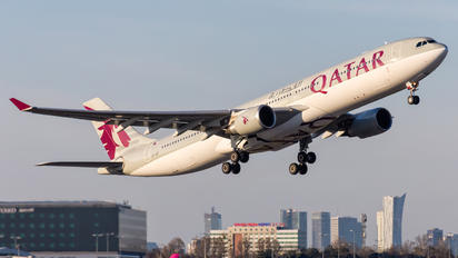 A7-AEF - Qatar Airways Airbus A330-300