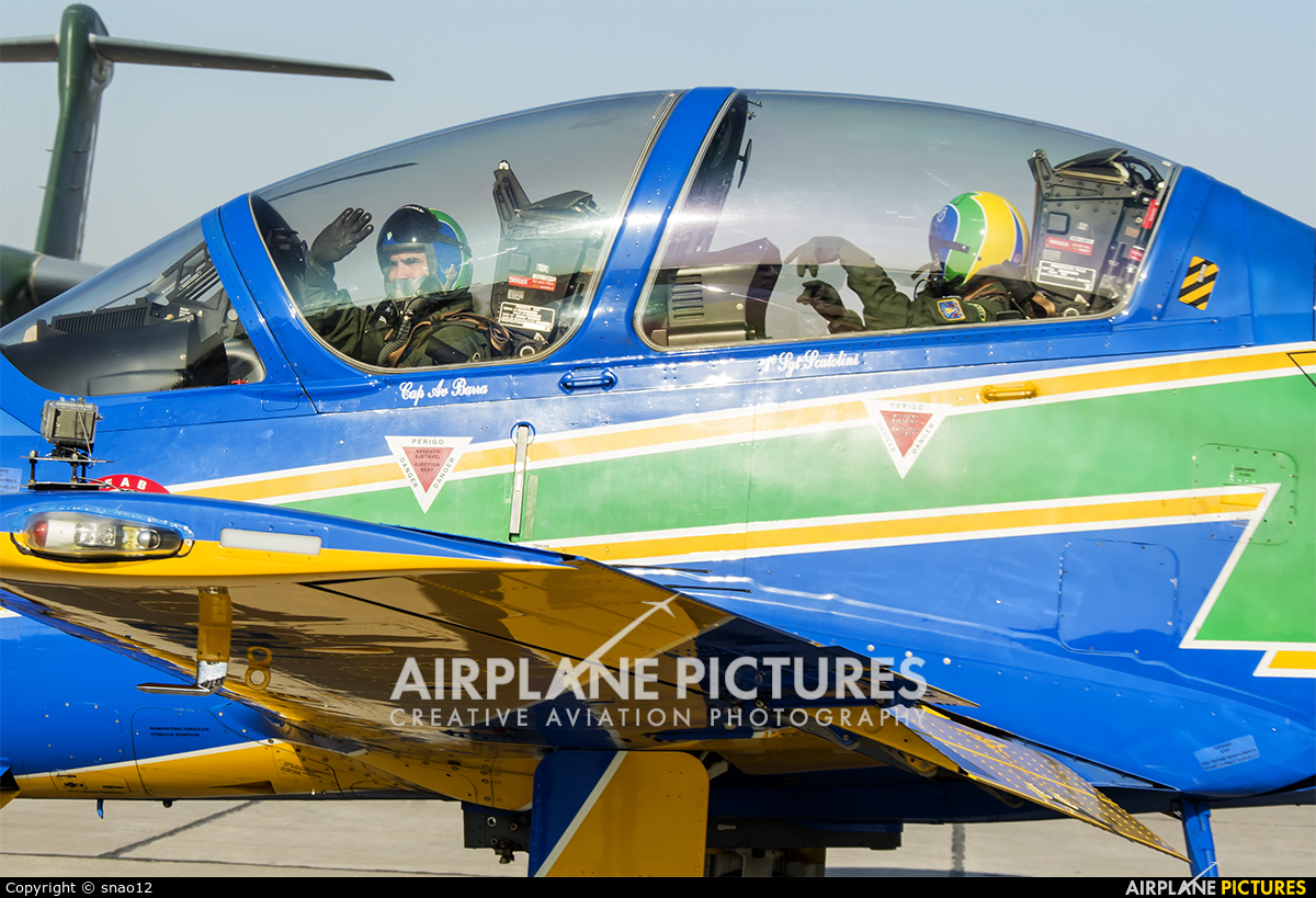 """Brazil - Air Force """"Esquadrilha da Fumaça"""" FAB5966 aircraft at Santiago de Chile - Arturo Merino Benítez Intl"""