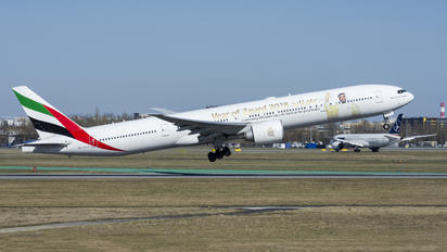 A6-ECY - Emirates Airlines Boeing 777-300ER