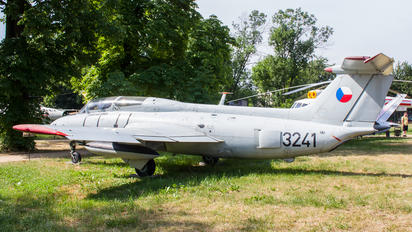 3241 - Czech - Air Force Aero L-29 Delfín