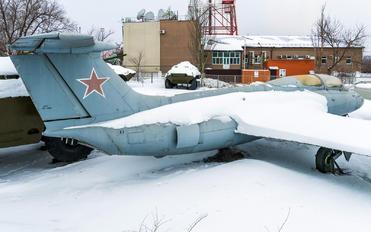 - - Private Aero L-29 Delfín