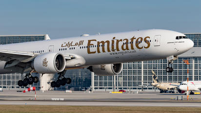 A6-ECU - Emirates Airlines Boeing 777-300ER