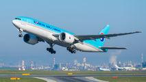 HL8077 - Korean Air Cargo Boeing 777F aircraft
