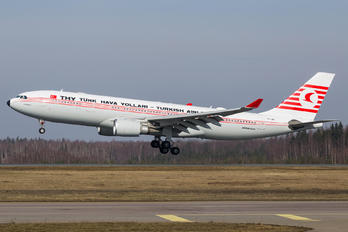 TC-JNC - Turkish Airlines Airbus A330-200