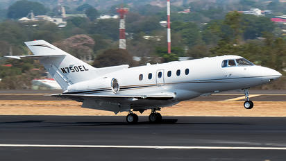 N750EL - Private Hawker Beechcraft 750