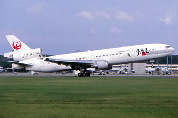 JA8588 - JAL - Japan Airlines McDonnell Douglas MD-11