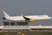 EC-MJR - Vueling Airlines Airbus A321 aircraft