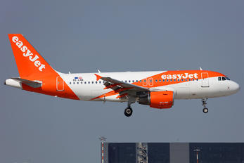 OE-LQE - easyJet Europe Airbus A319