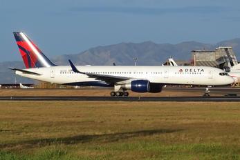 N6700 - Delta Air Lines Boeing 757-200