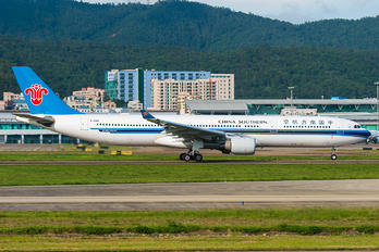 B-5966 - China Southern Airlines Airbus A330-300