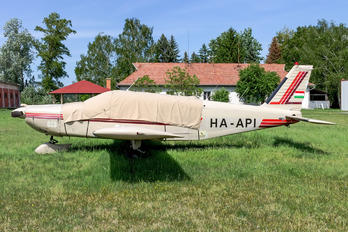HA-API - Private Piper PA-32 Cherokee Six