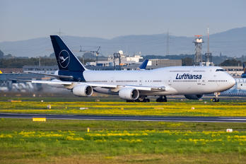 D-ABYA - Lufthansa Boeing 747-8