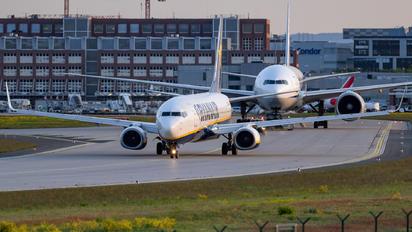 EI-ESL - Ryanair Boeing 737-800