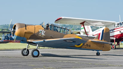 G-BJST - Private North American Harvard/Texan (AT-6, 16, SNJ series)