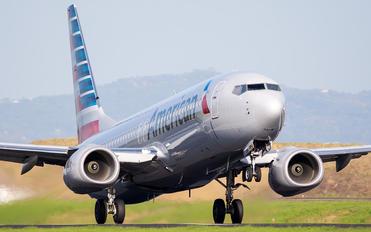 N200NV - American Airlines Boeing 737-800