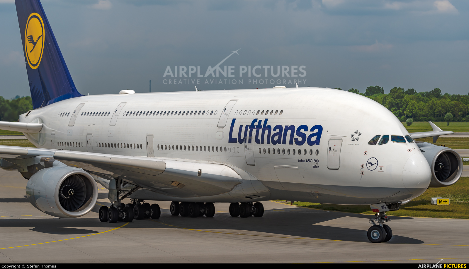 Lufthansa D-AIMG aircraft at Munich