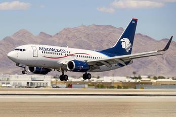 EI-DRE - Aeromexico Boeing 737-700