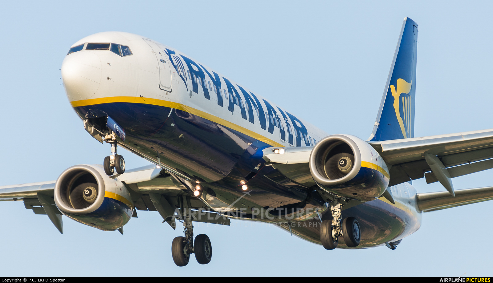 Ryanair EI-EVE aircraft at Pardubice