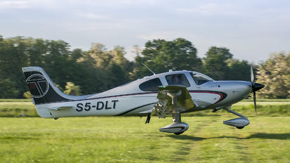 S5-DLT - Private Cirrus SR22T