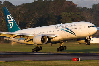 ZK-OKG - Air New Zealand Boeing 777-200ER