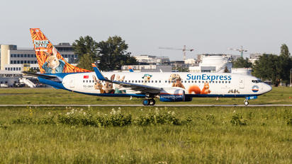 TC-SNY - SunExpress Boeing 737-800