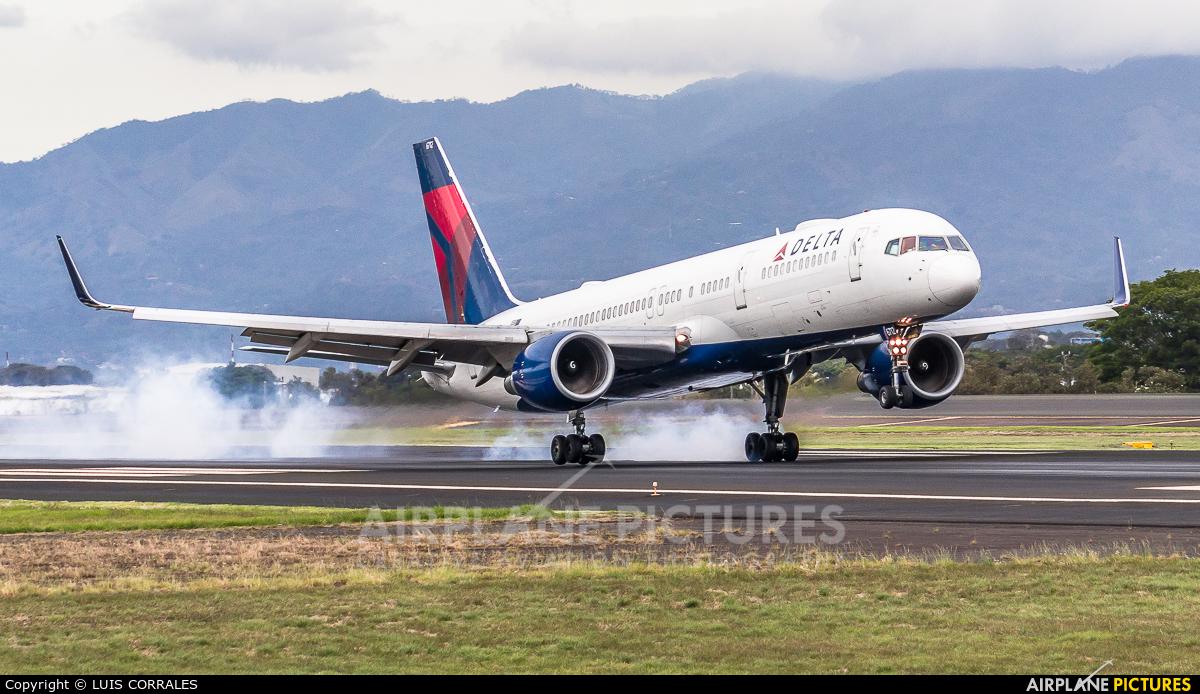 Delta Air Lines N6712B aircraft at San Jose - Juan Santamaría Intl