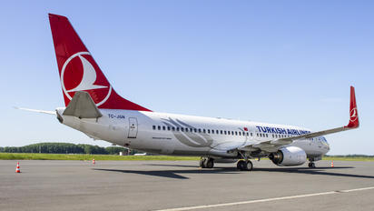 TC-JGN - Turkish Airlines Boeing 737-800