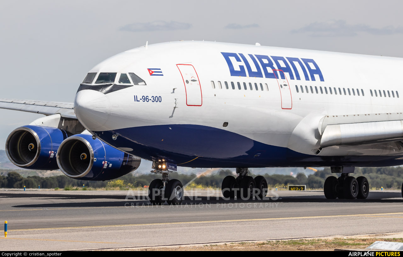 Cubana CU-T1251 aircraft at Madrid - Barajas