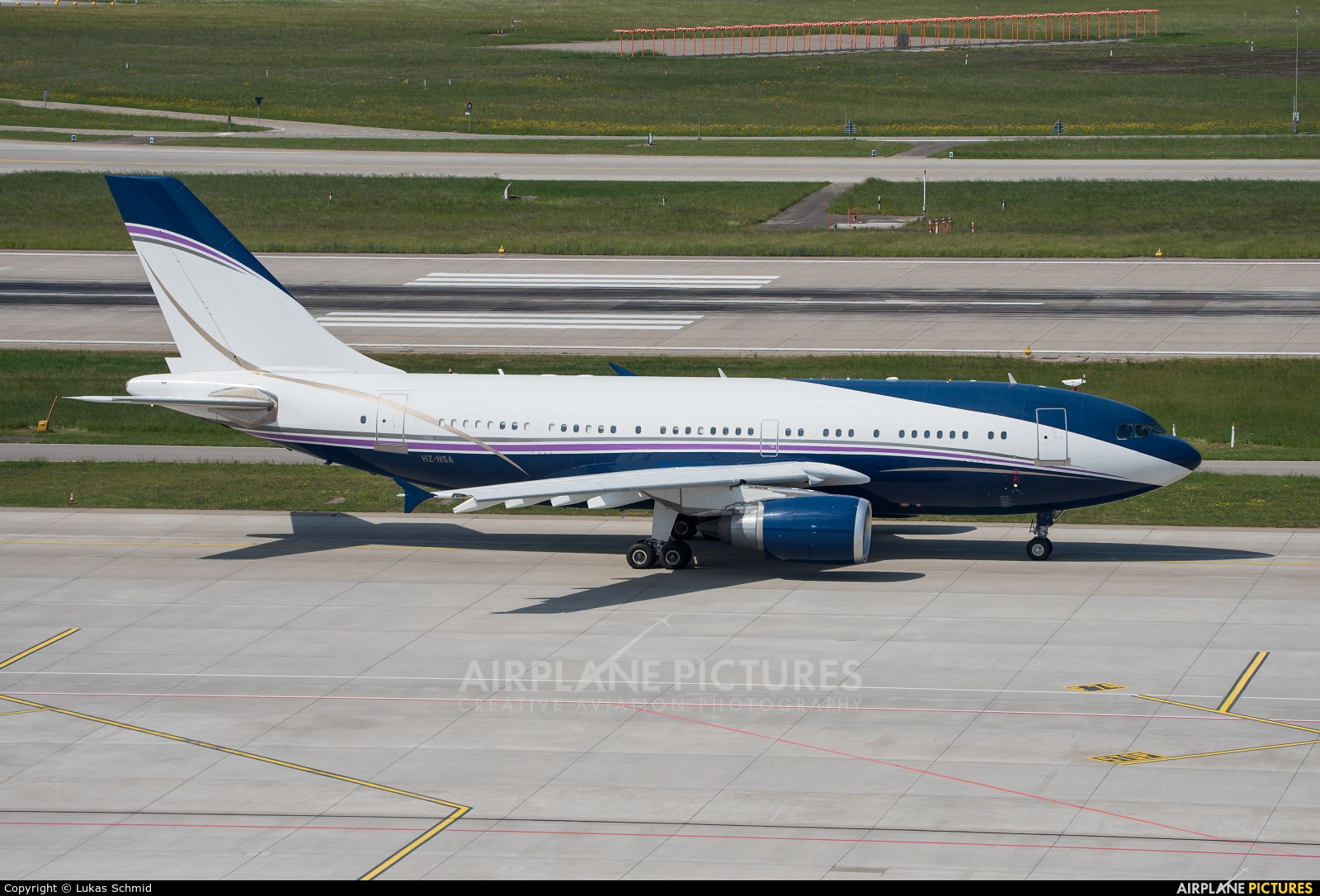 Private HZ-NSA aircraft at Zurich