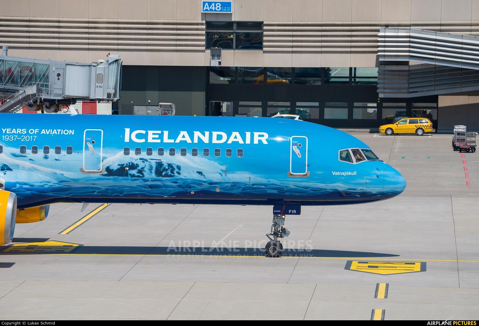 Icelandair TF-FIR aircraft at Zurich