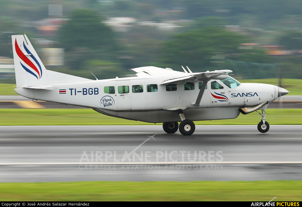 Sansa Airlines TI-BGB aircraft at San Jose - Juan Santamaría Intl