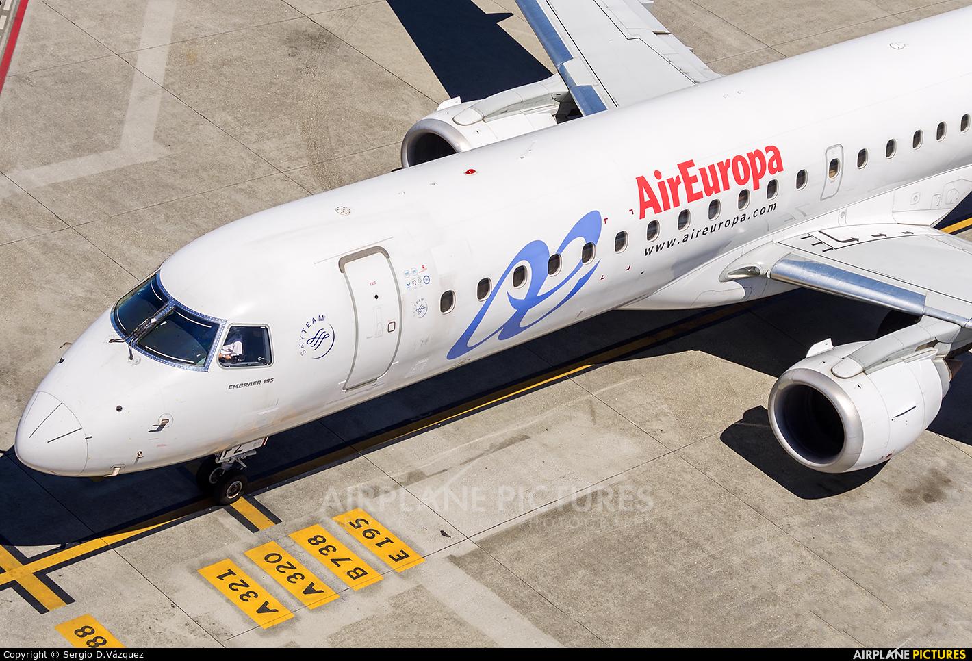 Air Europa EC-LFZ aircraft at La Coruña