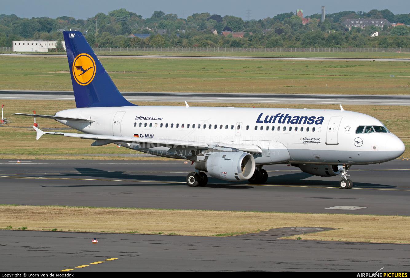 Lufthansa D-AILW aircraft at Düsseldorf
