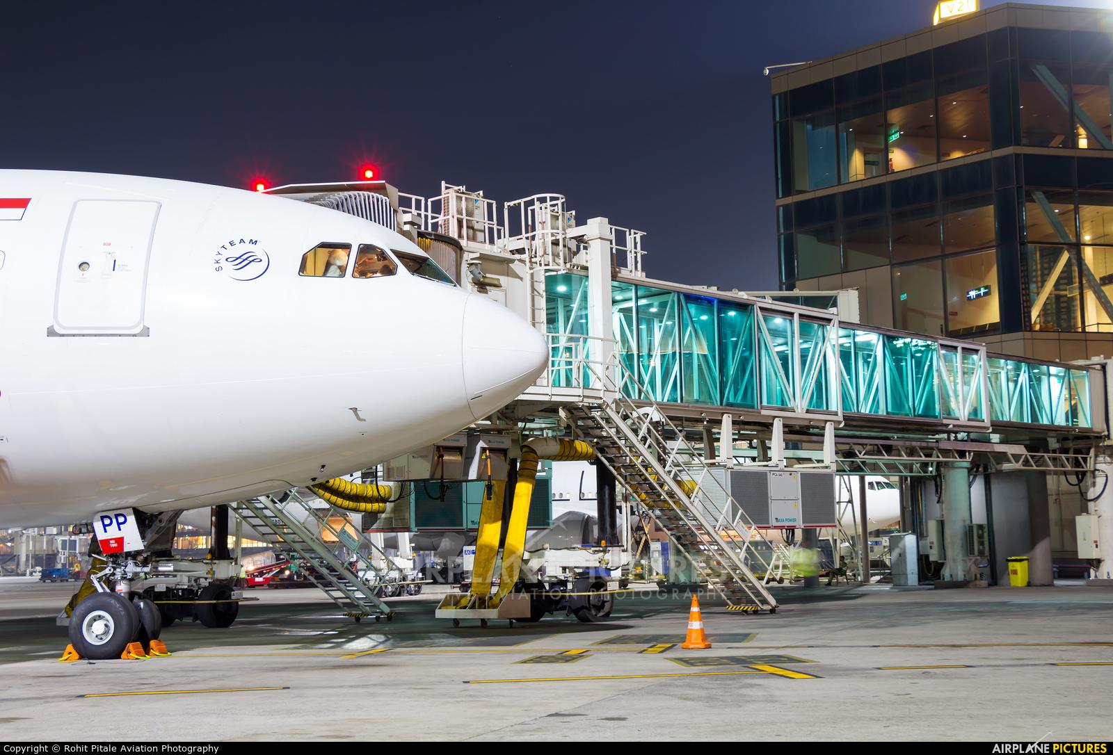 Garuda Indonesia PK-GPP aircraft at Mumbai - Chhatrapati Shivaji Intl