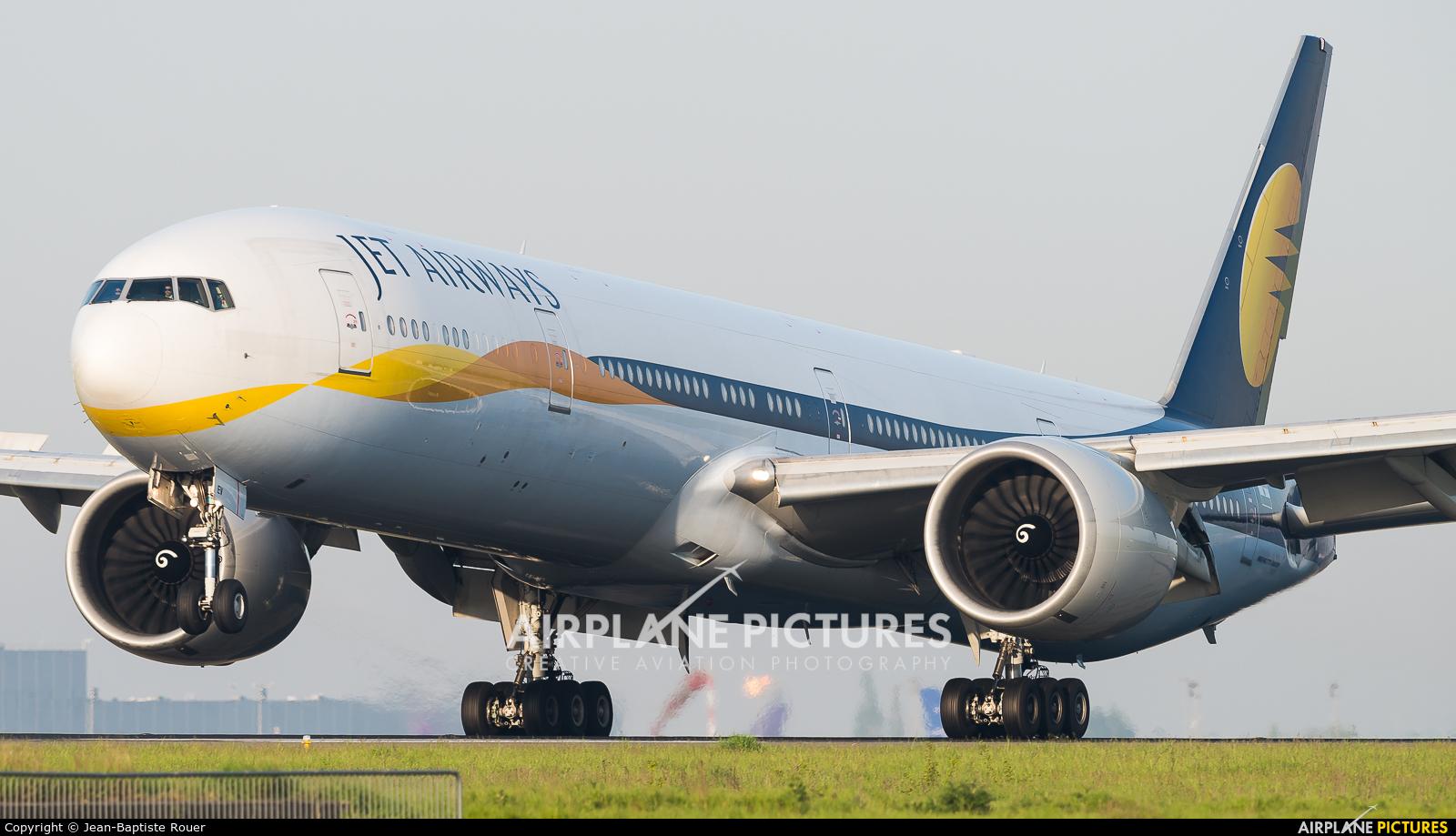 Jet Airways VT-JEV aircraft at Paris - Charles de Gaulle