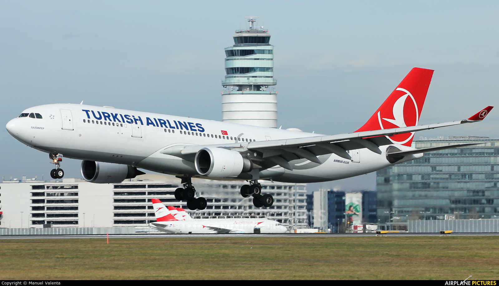 Turkish Airlines TC-JNA aircraft at Vienna - Schwechat