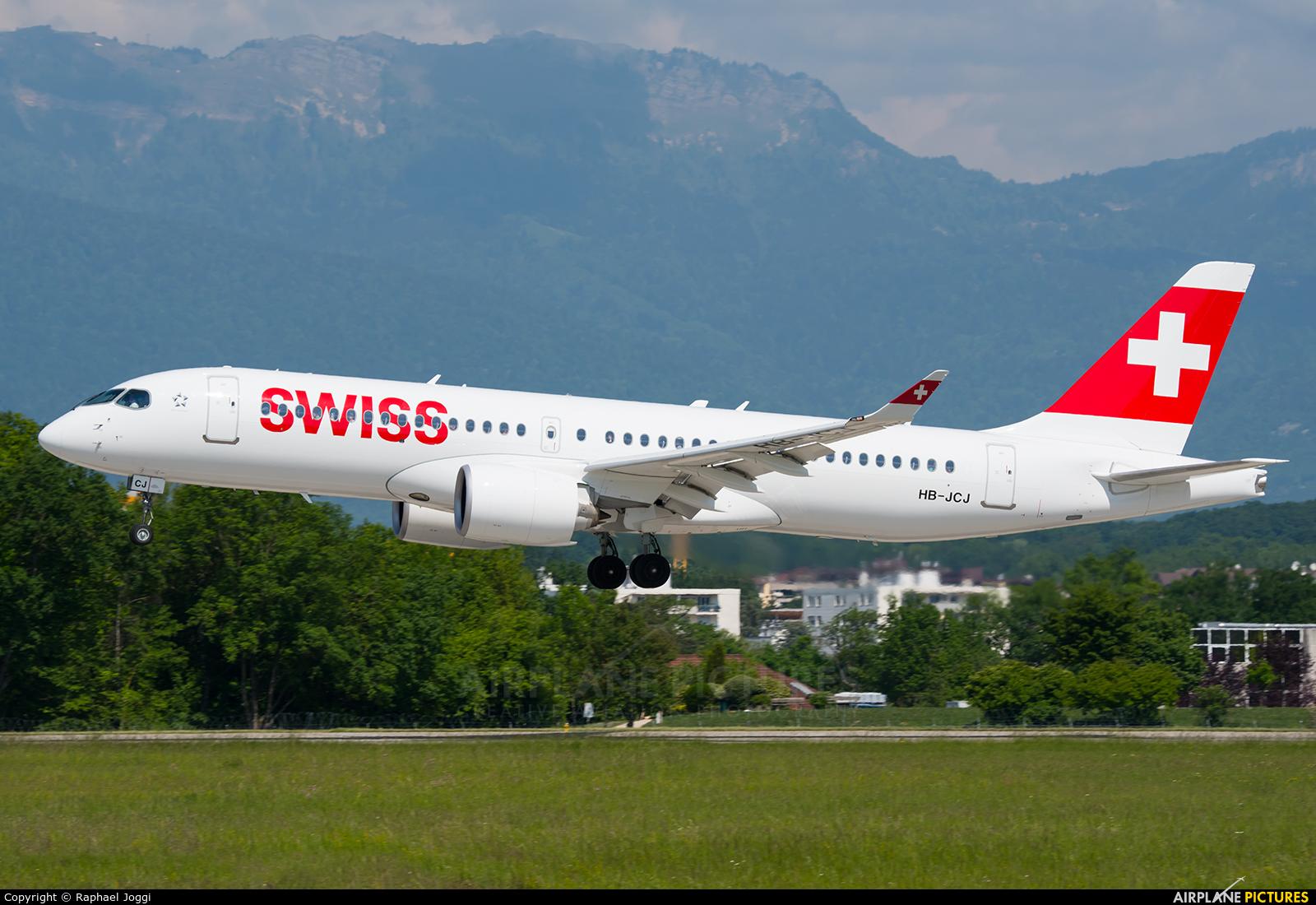 Swiss HB-JCJ aircraft at Geneva Intl