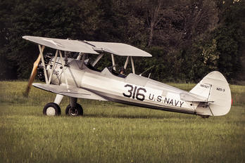 N61927 - Private Boeing A75 Stearman