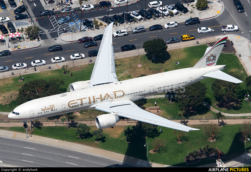 Etihad Airways A6-ETM aircraft at Los Angeles Intl