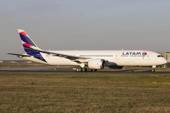 CC-BGC - LATAM Chile Boeing 787-9 Dreamliner