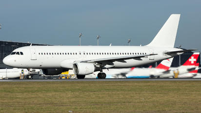 YL-LCO - SmartLynx Airbus A320