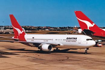 VH-EAJ - QANTAS Boeing 767-200ER
