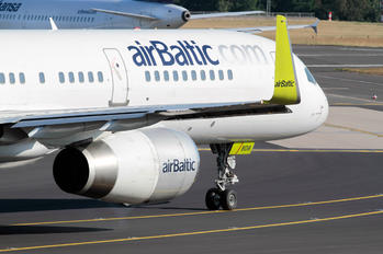YL-BDB - Air Baltic Boeing 757-200
