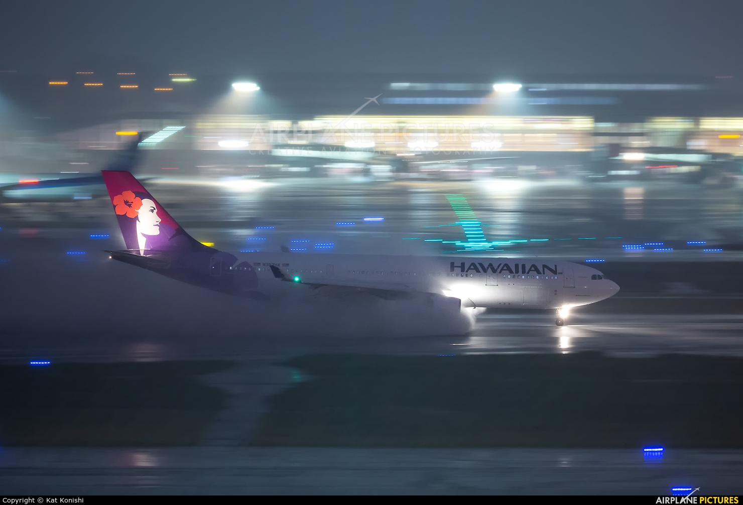 Hawaiian Airlines N392HA aircraft at Tokyo - Haneda Intl