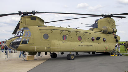 13-08436 - USA - Army Boeing CH-47F Chinook
