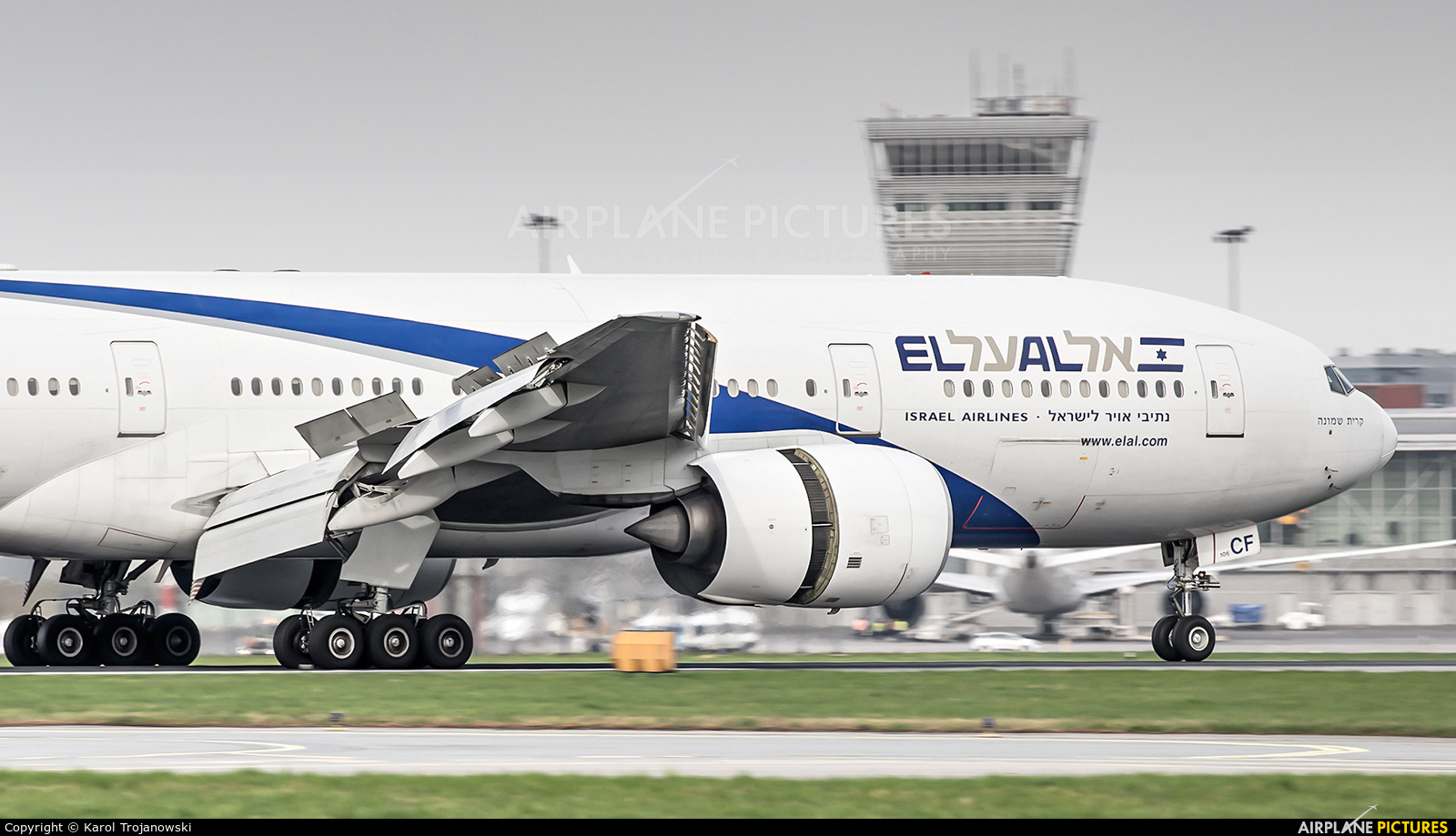 El Al Israel Airlines 4X-ECF aircraft at Warsaw - Frederic Chopin