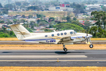 TI-AWM - Carmonair Beechcraft 90 King Air