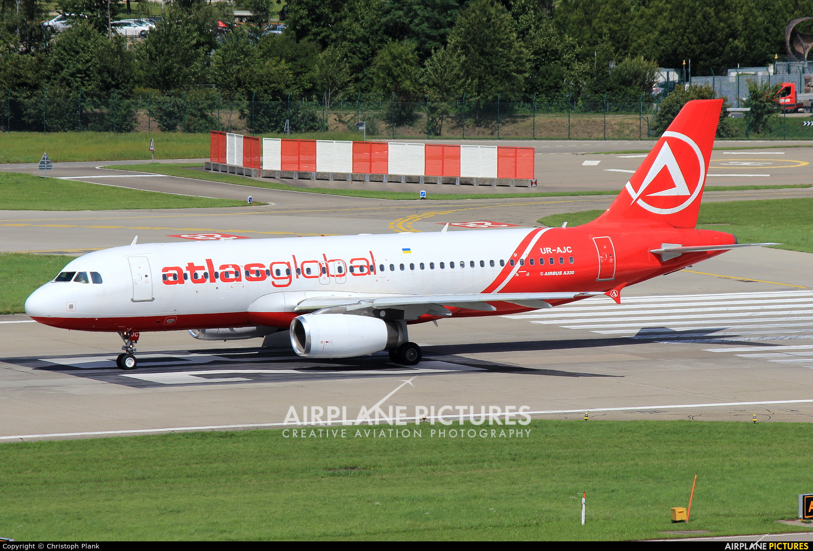 Atlasglobal UR-AJC aircraft at Zurich