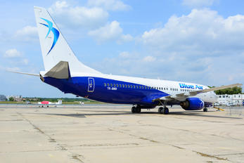 YR-BMO - Blue Air Boeing 737-800
