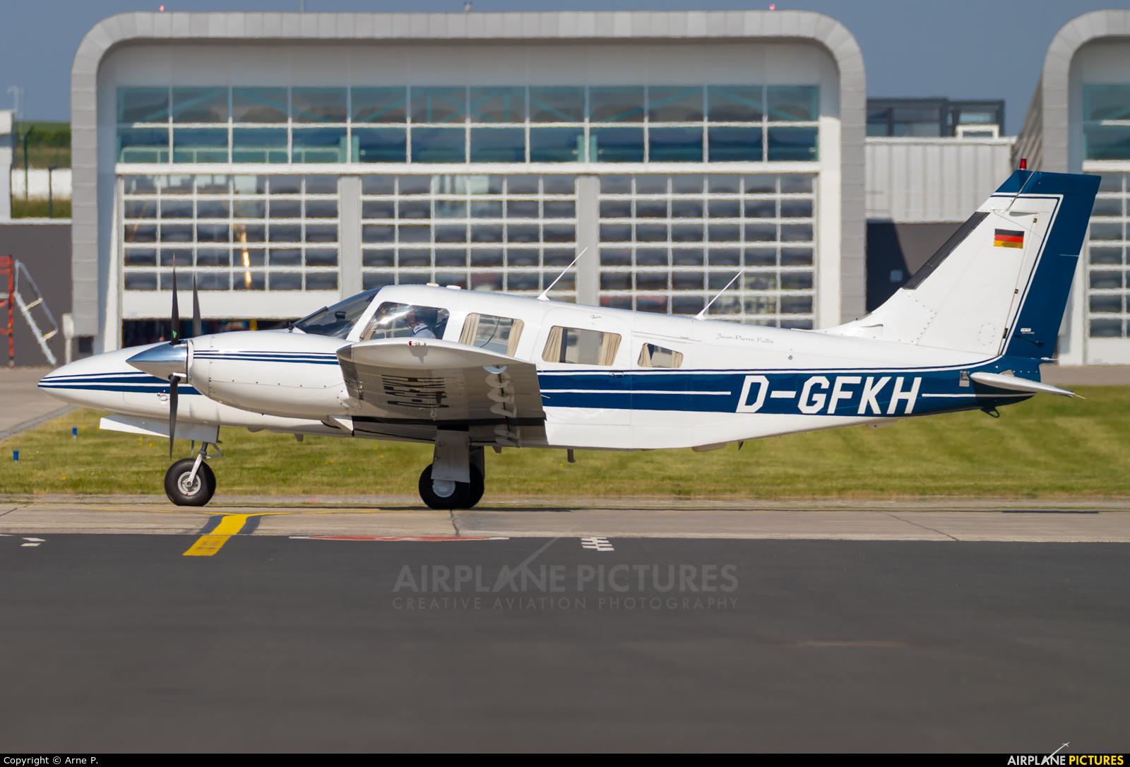 Private D-GFKH aircraft at Kassel-Calden